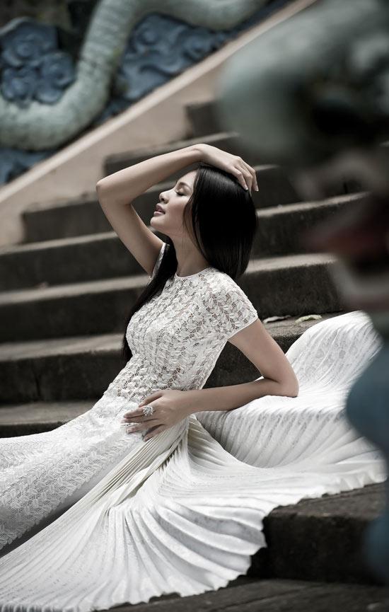 """Thúy Hạnh """"đụng"""" áo Hoa hậu Hương Giang - 6"""