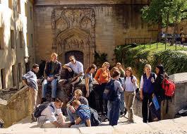 Du học Tây Ban Nha miễn 100% học phí chương trình Cử nhân và Thạc sỹ - 1