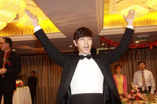 """Lý Tiểu Nhiễm """"lên xe hoa"""" với Park Hae Jin - 13"""