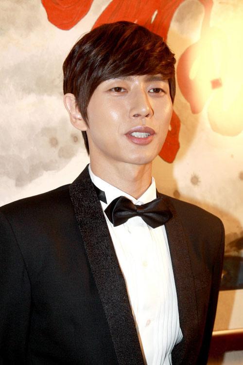 """Lý Tiểu Nhiễm """"lên xe hoa"""" với Park Hae Jin - 15"""