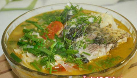 Ngon vô cùng canh cá nấu măng - 9