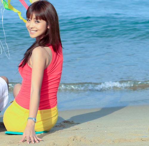 Đi biển mặc đẹp như Jennifer Phạm - 6