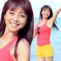 Đi biển mặc đẹp như Jennifer Phạm