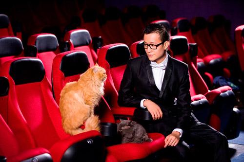 Lương Mạnh Hải, Hiếu Hiền tạo dáng với mèo - 7
