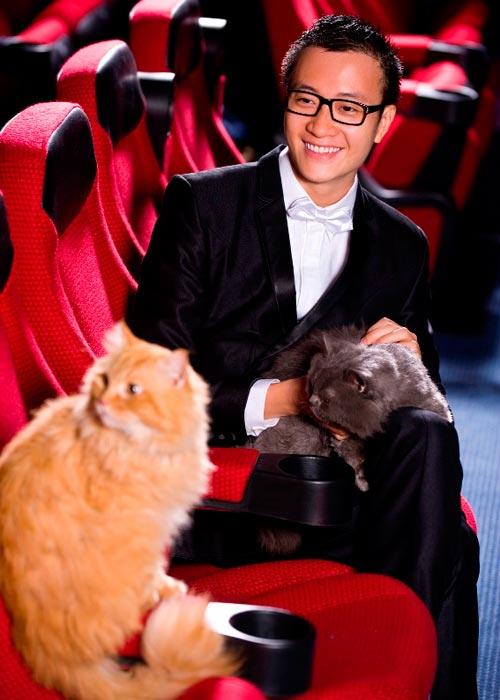 Lương Mạnh Hải, Hiếu Hiền tạo dáng với mèo - 4