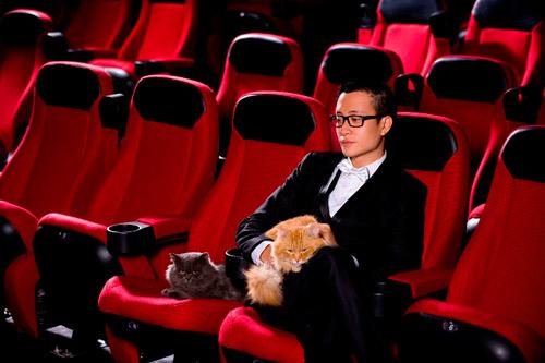 Lương Mạnh Hải, Hiếu Hiền tạo dáng với mèo - 9