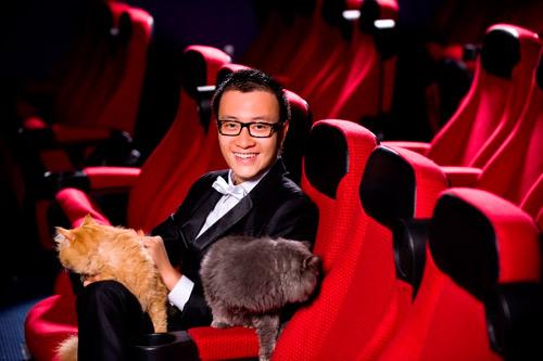 Lương Mạnh Hải, Hiếu Hiền tạo dáng với mèo - 8