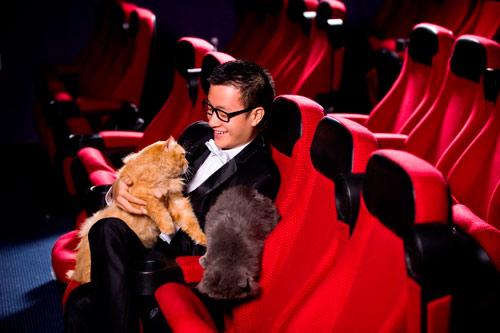 Lương Mạnh Hải, Hiếu Hiền tạo dáng với mèo - 10