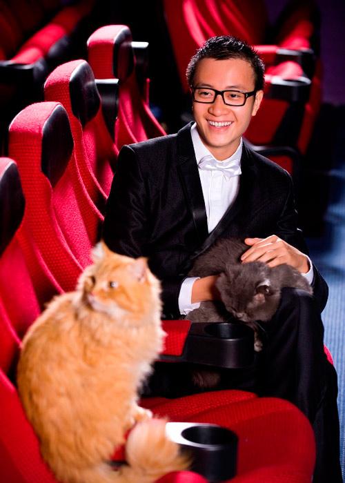Lương Mạnh Hải, Hiếu Hiền tạo dáng với mèo - 12