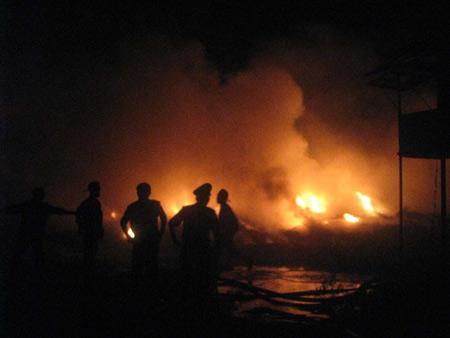 Hải Phòng: Cháy lớn tại công ty đóng tàu - 1