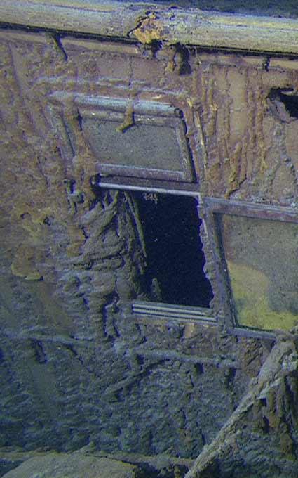 Hình ảnh mới nhất của con tàu Titanic - 2