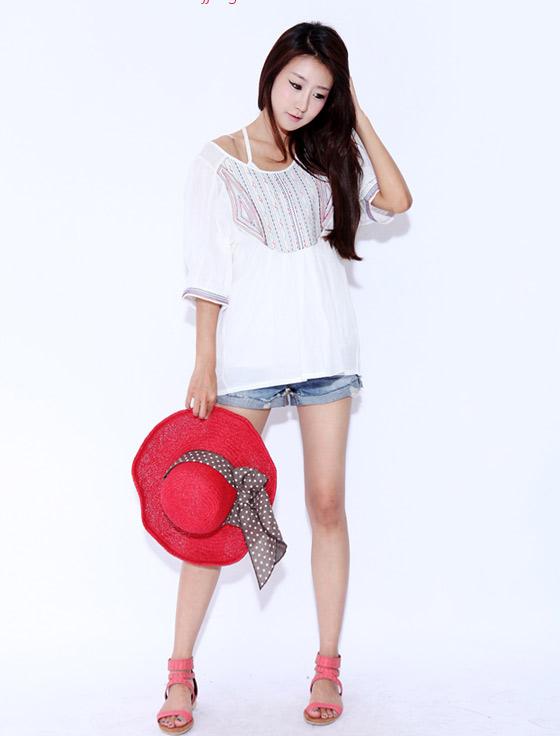 Sắm mũ rộng vành cho thời trang biển - 14