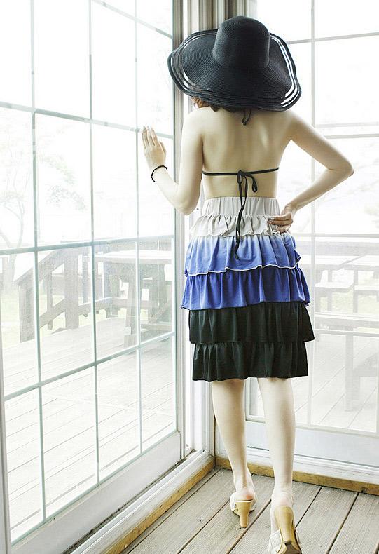 Sắm mũ rộng vành cho thời trang biển - 11