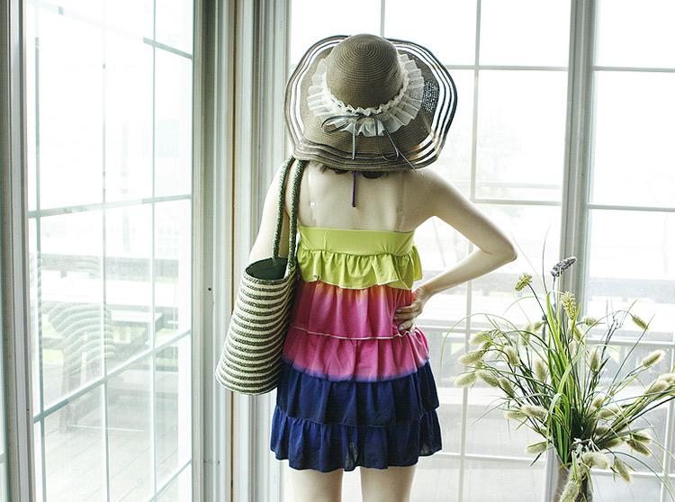 Sắm mũ rộng vành cho thời trang biển - 7