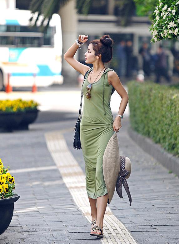 Sắm mũ rộng vành cho thời trang biển - 19