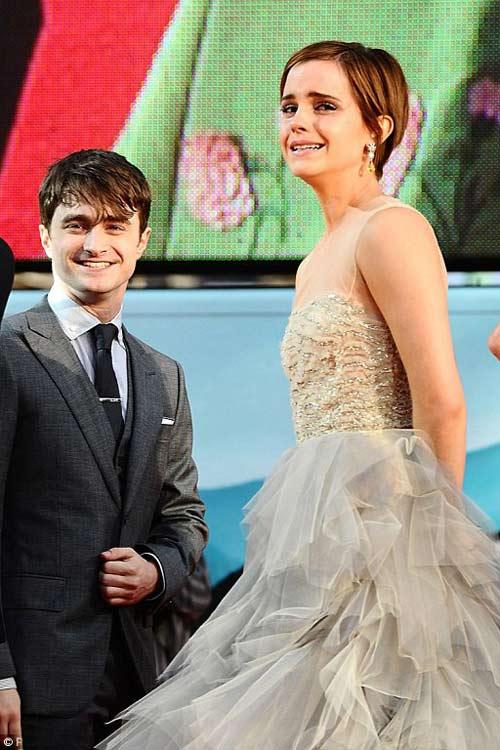 Emma Watson đẫm lệ vì Harry Potter - 4
