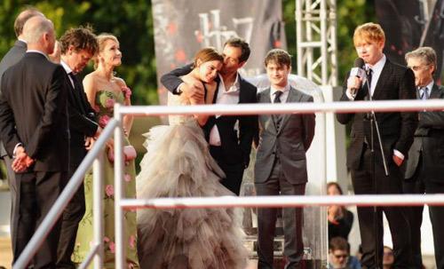 Emma Watson đẫm lệ vì Harry Potter - 5