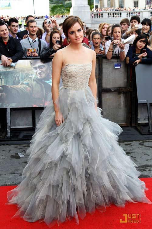 Emma Watson đẫm lệ vì Harry Potter - 17