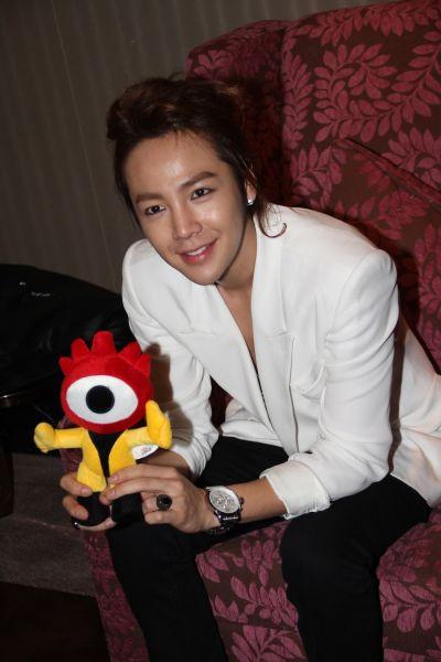 Jang Keun Suk coi fans là… vợ - 9