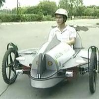 """Xe chạy bằng năng lượng mặt trời """"made in"""" Việt Nam"""