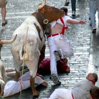 Lễ hội bò tót Tây Ban Nha đặc sắc nhưng nguy hiểm