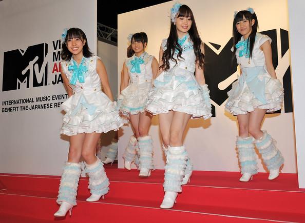 Thời trang Hàn-Nhật tranh đua quyết liệt - 5