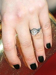 Nghía nhẫn cưới của sao Hollywood - 10