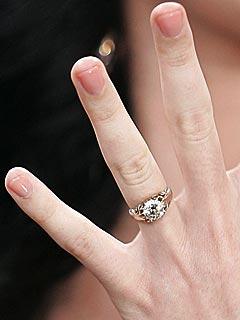 Nghía nhẫn cưới của sao Hollywood - 12