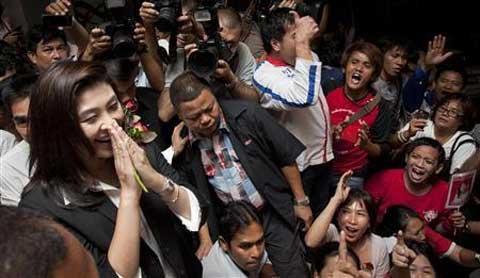 Nữ Thủ tướng Thái Lan trước nguy cơ hạ bệ - 1