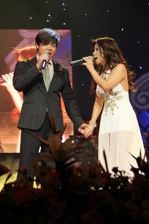 """Show Quang Lê - Minh Tuyết khiến khán giả """"ướt mi"""" - 4"""