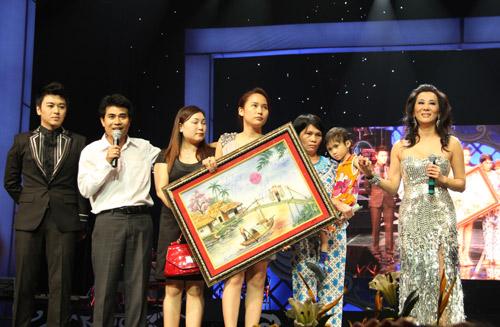 """Show Quang Lê - Minh Tuyết khiến khán giả """"ướt mi"""" - 11"""