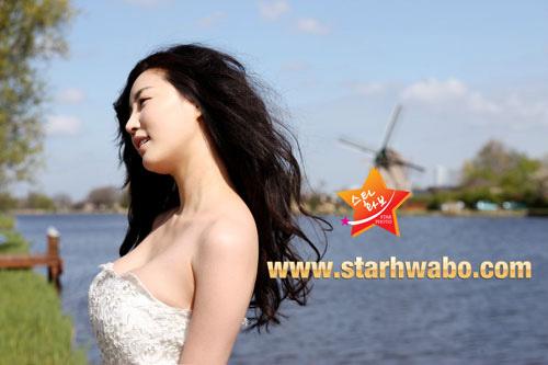 """10 người đẹp bikini """"nóng"""" nhất giải trí Hàn hè 2011 - 7"""