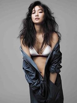 """10 người đẹp bikini """"nóng"""" nhất giải trí Hàn hè 2011 - 9"""