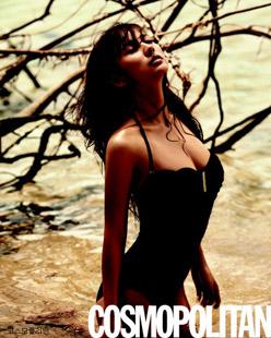 """10 người đẹp bikini """"nóng"""" nhất giải trí Hàn hè 2011 - 17"""