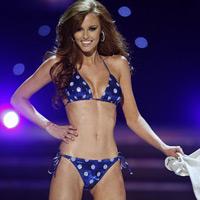 Phụ nữ Mỹ thích mặc bikini và khỏa thân?