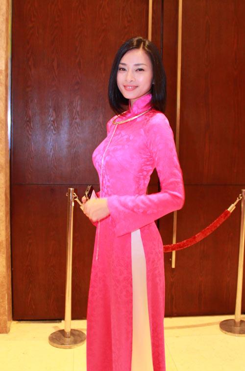 Giai nhân Việt duyên dáng với áo dài - 7