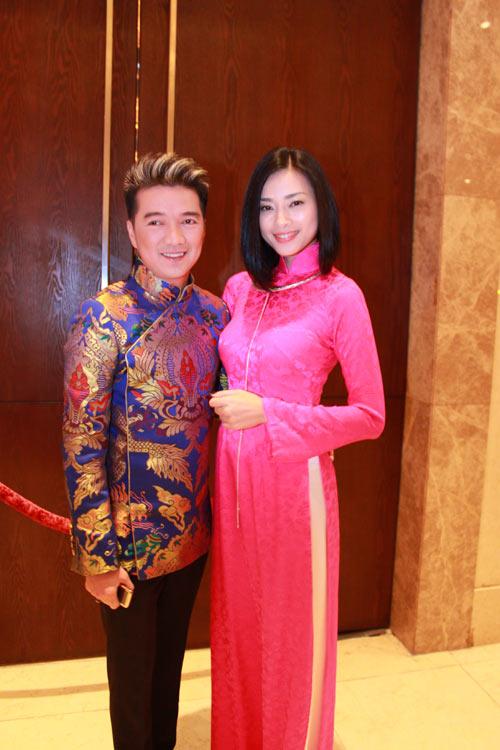 Giai nhân Việt duyên dáng với áo dài - 10