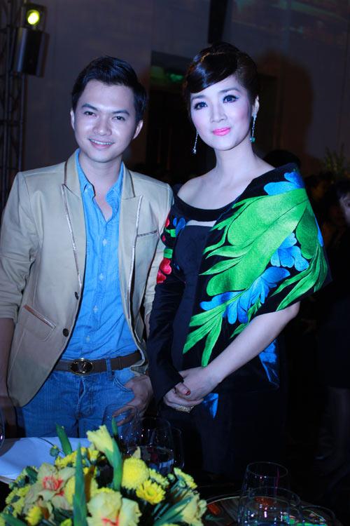 Giai nhân Việt duyên dáng với áo dài - 19