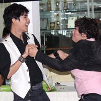 Các tân Idol rủ nhau học khiêu vũ