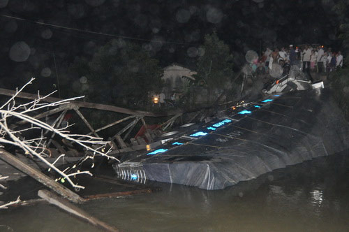 Sập cầu nối Tiền Giang và Long An - 2