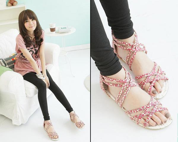 Khảo giá sandal xỏ ngón đa phong cách - 1