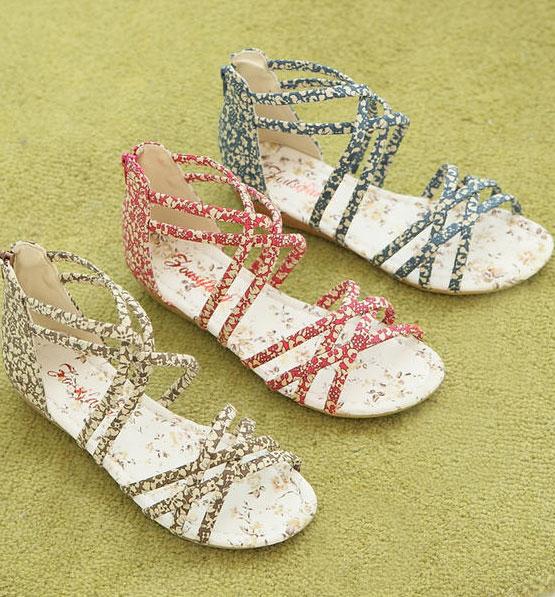 Khảo giá sandal xỏ ngón đa phong cách - 2
