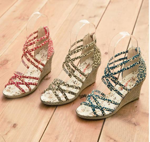 Khảo giá sandal xỏ ngón đa phong cách - 3