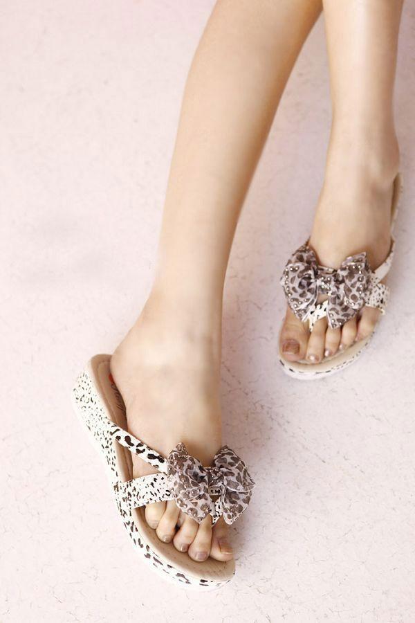 Khảo giá sandal xỏ ngón đa phong cách - 7
