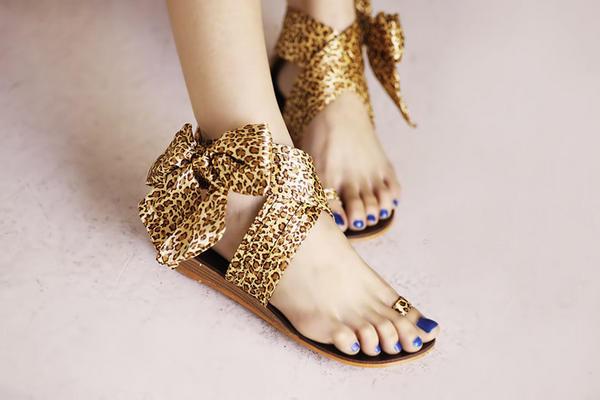 Khảo giá sandal xỏ ngón đa phong cách - 14