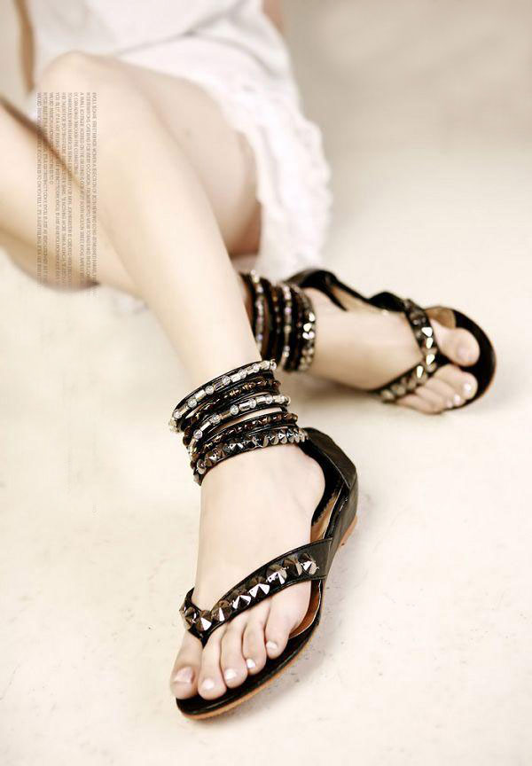 Khảo giá sandal xỏ ngón đa phong cách - 16