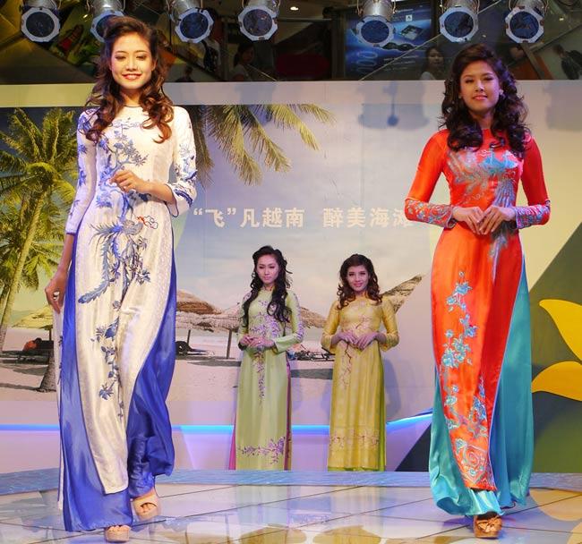 Áo dài Việt tại Thượng Hải - 10