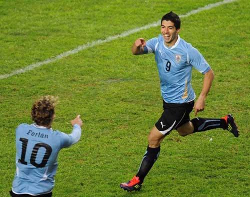 Đêm nay Uruguay - Paraguay: Loạn thế xuất anh hùng (CK Copa America)  1311474322-bong-da-Uruguay
