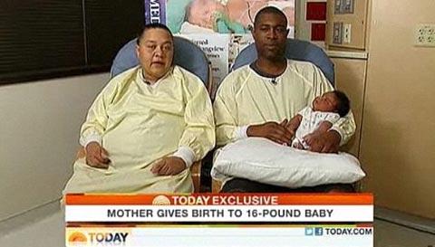 Những bé sơ sinh... khổng lồ - 1