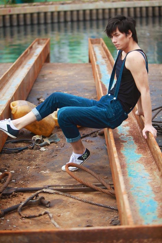 Nhan Phúc Vinh bụi bặm với jeans - 11